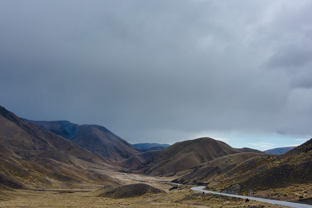Mountain roads to Lake Pukaki